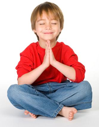 crianca- meditando
