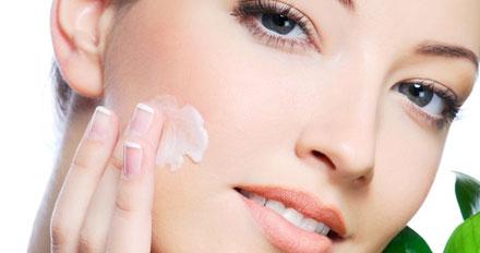 Protetor solar ajuda a prevenir envelhecimento da pele, confirma pesquisa